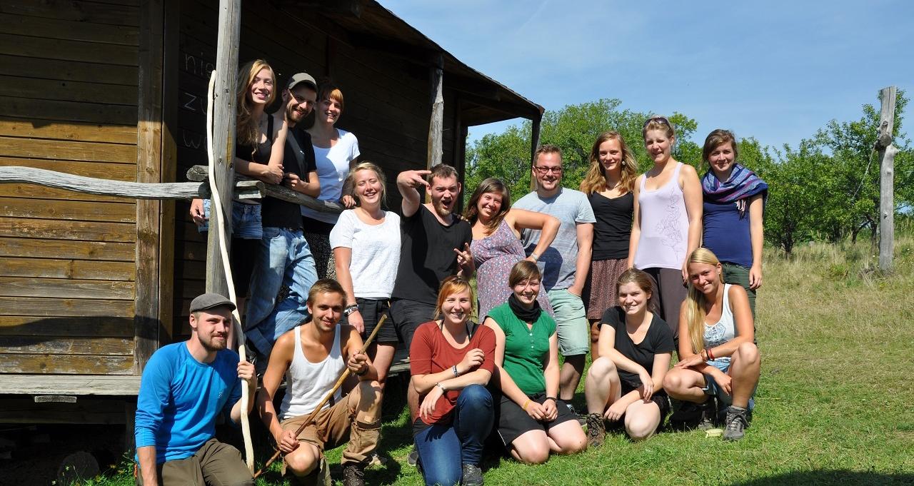 Die ExkursionsteilnehmerInnen im Friedenslager Petersdorf
